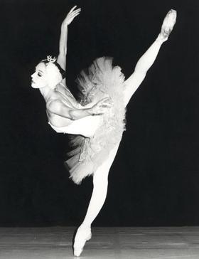 Андрис Лиепа: «Поклоны Плисецкой в конце выступления продолжаются 20 минут и оказываются намного интереснее, чем танцы молодых артистов»